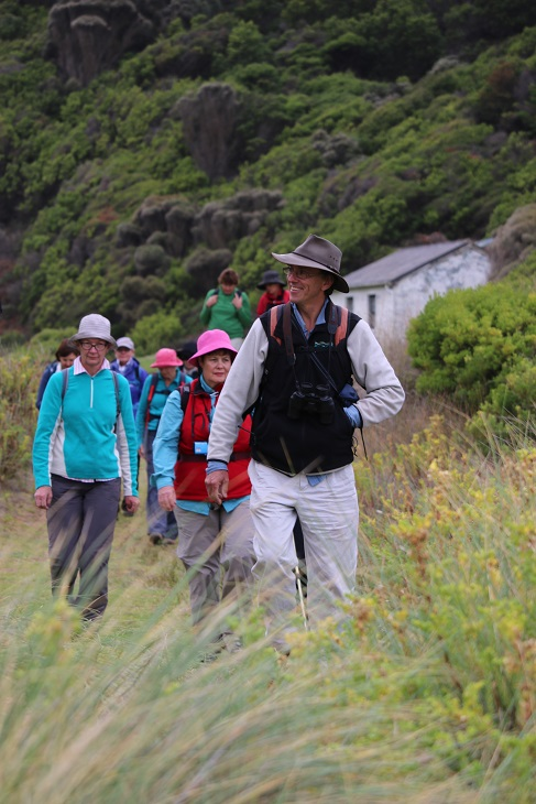 Guide Andrew and group GOW small