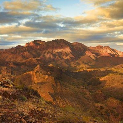 Women only walking tour in the Flinders Ranges