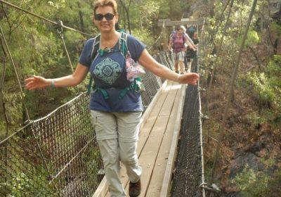 Bibbulmun Walking Track - Crossing a scenice foot bridge