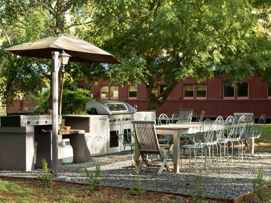 The Manor House - Daylesford - relaxing outdoor area