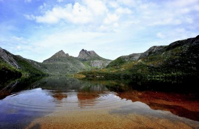 Cradle Mountain across Dove Lake
